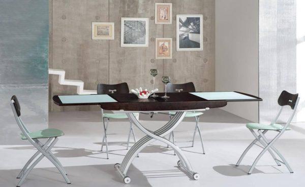 Весит такой стол немного - всего 44 кг