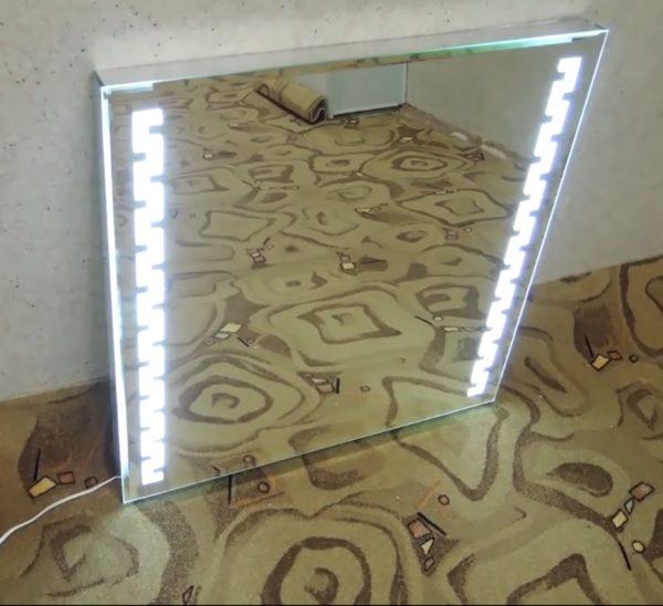 Зеркала со светодиодной подсветкой прекрасно дополняют прихожие