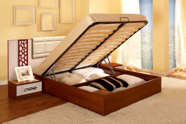 При заполнении пространства под матрасом нарушается естественная вентиляция кровати