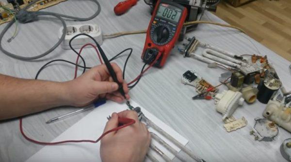 С помощью мультиметра можно определить разрыв спирали