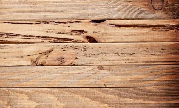 С древесиной работать намного легче, чем с металлом