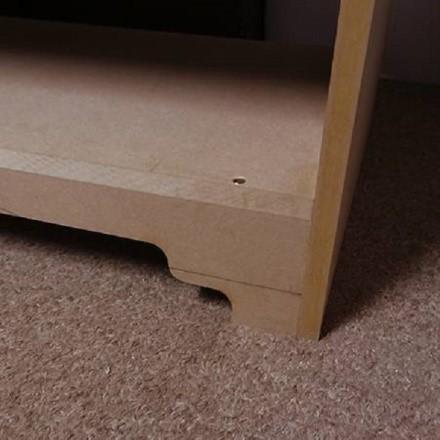 Если у вас нет пильной установки, передайте массив в обработку какой-либо мебельной компании, и вам выпилят ровные детали