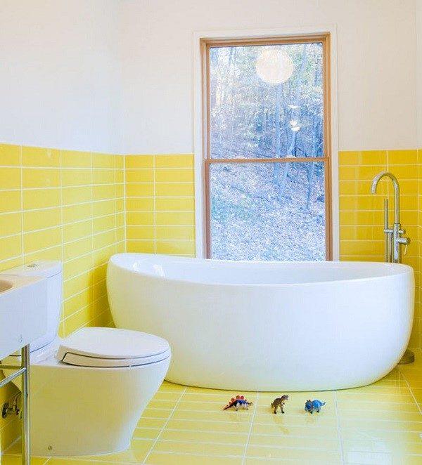 Желтая ванная взбодрит вас даже в хмурый осенний день