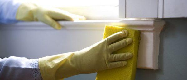 Закончив работу, помойте очищенную поверхность мыльной водой и тряпкой
