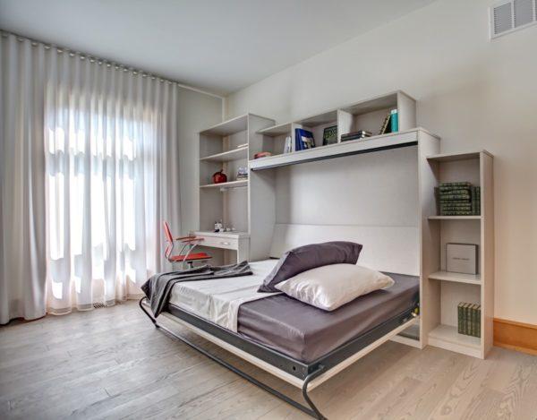 Большая двухместная кровать-шкаф