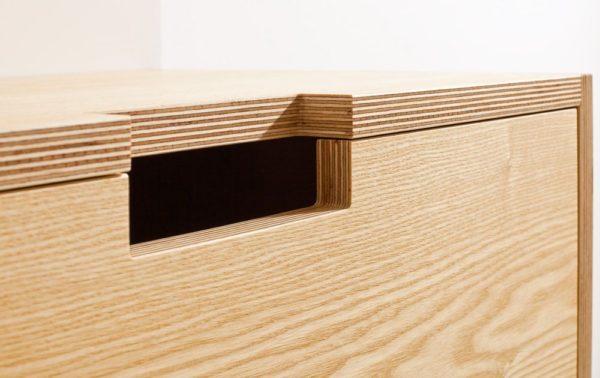 Природный рисунок на поверхности фанерной мебели