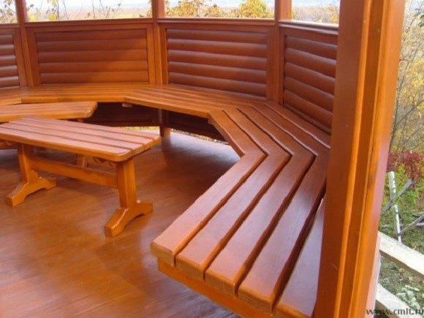 Различные породы дерева подходят для создания мебели