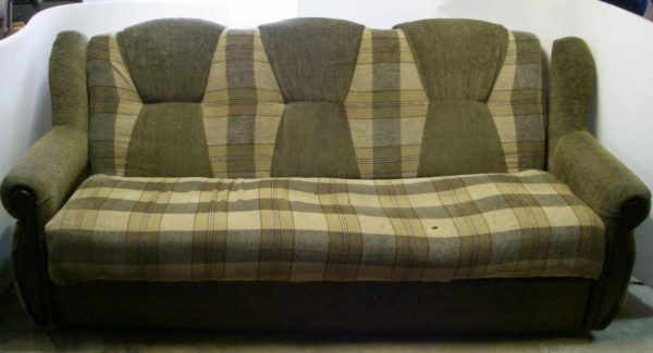 Со временем даже самой дорогой мягкой мебели может потребоваться ремонт