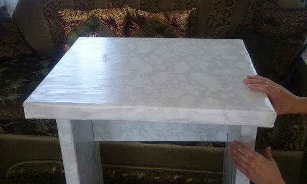 Готовый столик из картона
