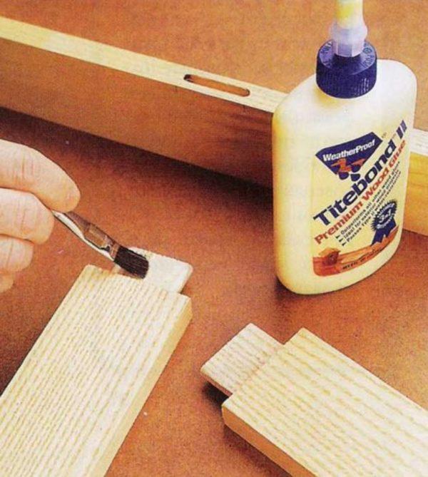 Нанесение клея на деревянные поверхности