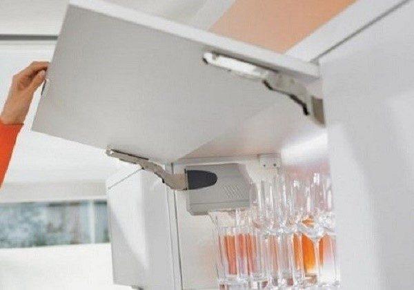 Откидной подъемный механизм для шкафа с выносом
