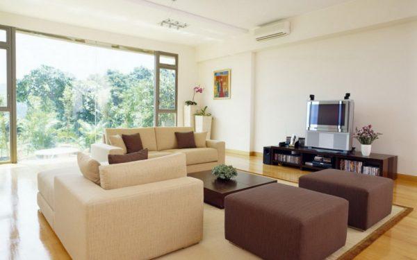 Расстановка мебели в просторной гостиной