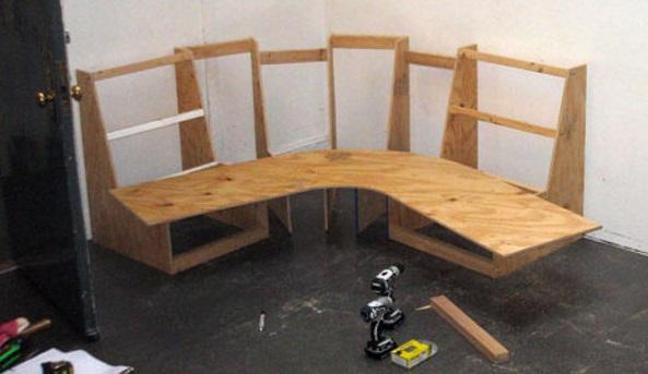 Для сидения необходимо раскроить лист фанеры
