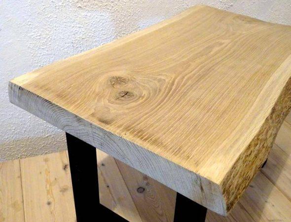 Текстура и природный рисунок дубового спила не требуют окрашивания – рекомендуется использовать обработку, которая подчеркнет красоту натурального дерева