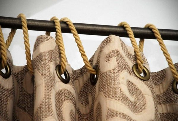 Нестандартное крепление портьеры на люверсах через шнур