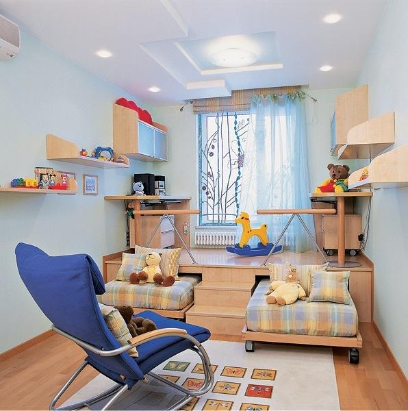 Подиум – отличное решение для компактной комнаты