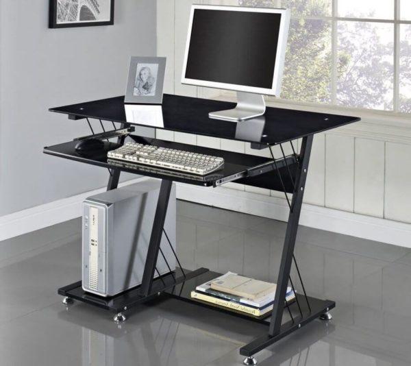 Одна из вариаций прямого стола