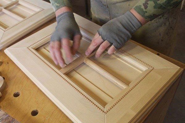 Постарайтесь начинать с более простой мебели, а уже набравшись опыта, переходите к изготовлению сложных предметов обихода
