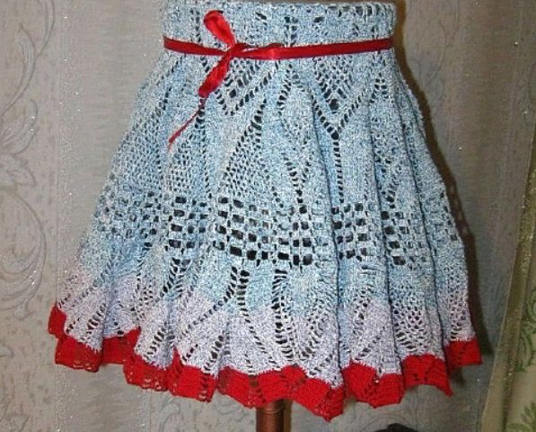 Абажур из старой трикотажной юбки