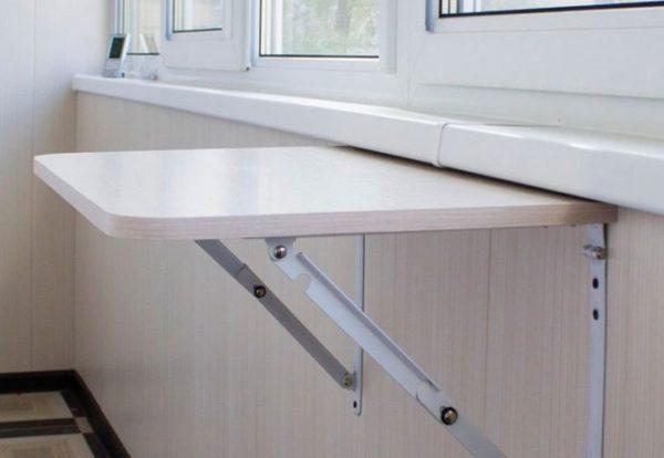 Функциональность - еще одно положительное качество откидных столов