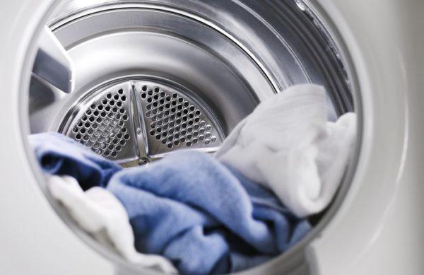 Хорошим дополнением к предыдущим методам будет чистка одежды на высоких температурах