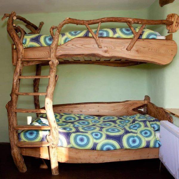 Кровать из дерева своими руками позволит создать индивидуальный дизайн