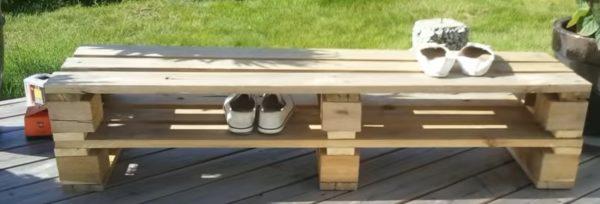 Обувная полка из поддонов
