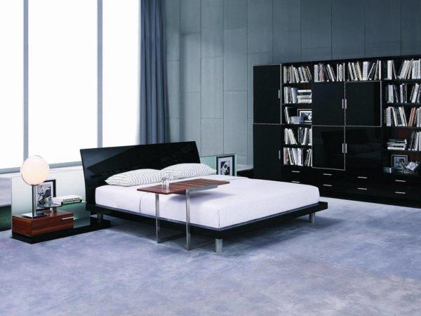 Основной особенностью спальни хай-тек является яркий свет, который должен максимально заполнять пространство