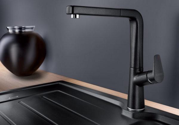 Современный рынок предлагает смесители под любой дизайн кухни