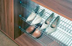 Стационарные или подвижные полки для обуви