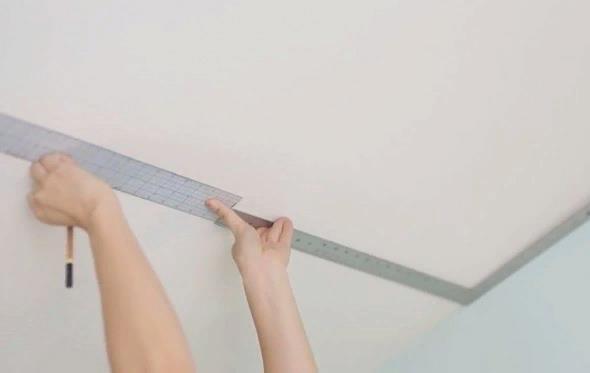 Ставим разметку на потолке