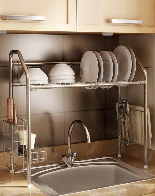 Кухонные сушилки рекомендуется устанавливать рядом с мойкой