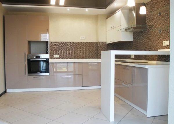 Вариант, когда форма барной стойки напоминает букву «П», будет оптимальным для тесной кухни, потому что таким образом экономится пространство