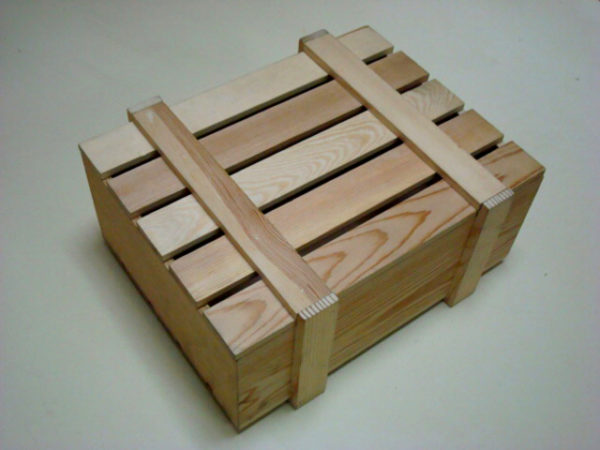 Ящик из дерева