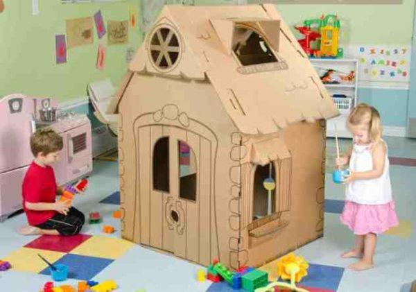 Картонный домик идеально подойдет для домашнего использования