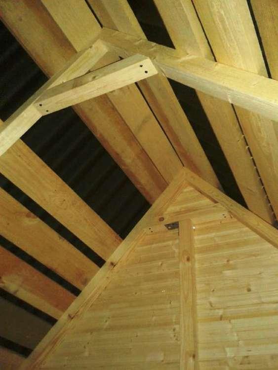 Ондулин - идеальное покрытие для крыши детского домика