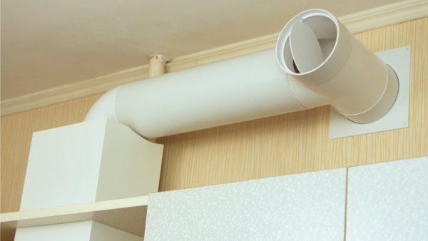 Совмещение вытяжки и вентиляции в кухне