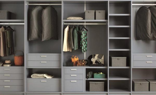 Способ наполнения зависит от расположения шкафа в квартире