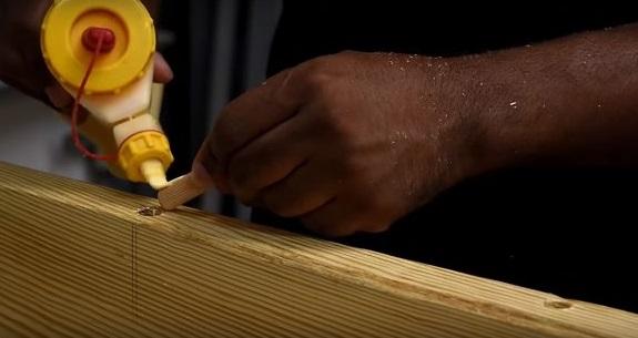 Для сборки используют деревянные шканты и клей
