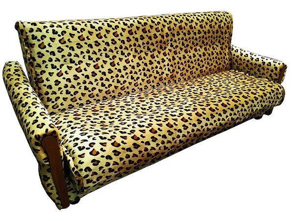 Если в одной точке коснуться дивана, оснащенного блоком зависимых пружин, и воздействовать целенаправленно лишь на одну из них, все другие также будут задействованы, так как это стальное полотно является неразрывным