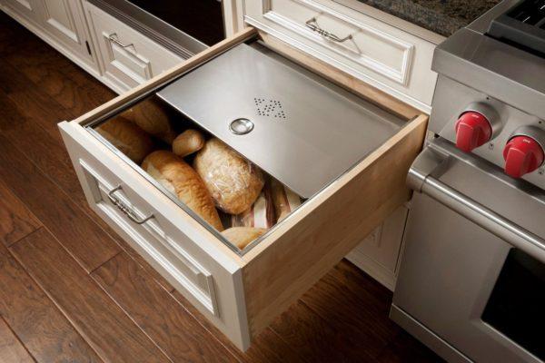 Хлебница, встроенная в гарнитур