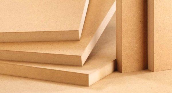 Для изготовления стола потребуются прочные листы ДСП