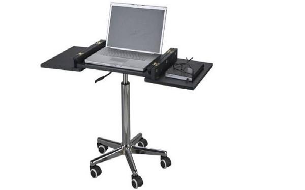 Трансформирующийся стол занимает очень мало места при наличии довольно большой рабочей поверхности