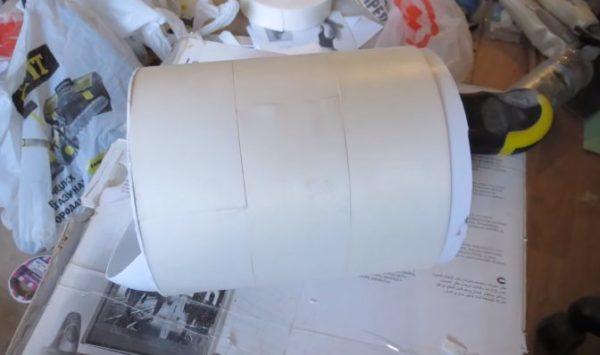 Труба обклеена шумопоглощающим материалом