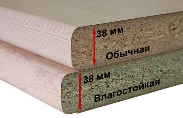 У влагостойких и обычных столешниц различаются материалы нутра
