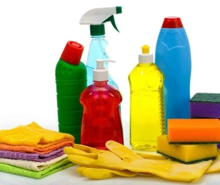 Каким средством мыть диван