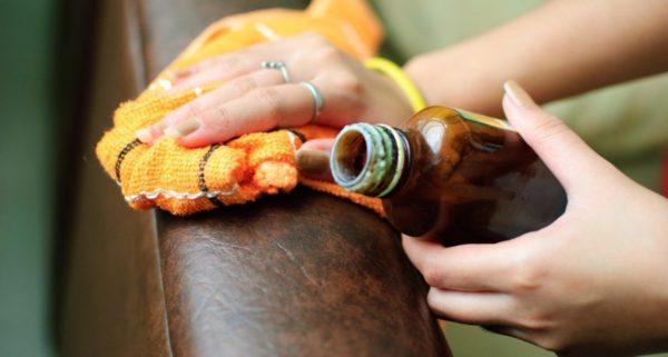Масляные составы защищают кожаные обивки