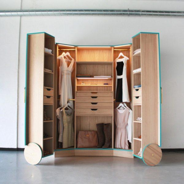 Вместительный гардероб-трансформер