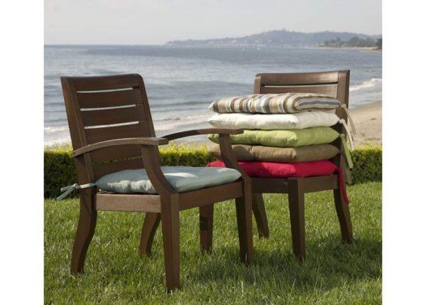 Подушечки сделают стул не только комфортнее, но и симпатичнее