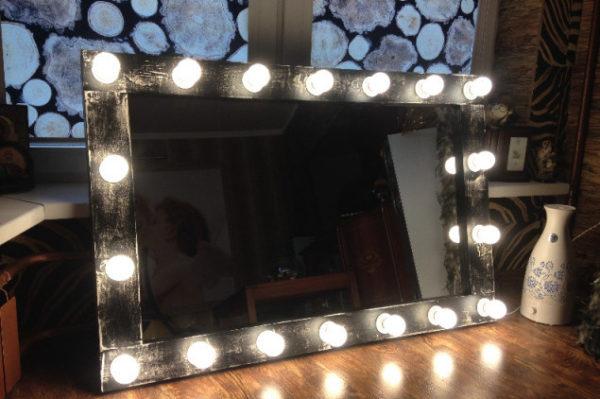 Зеркало — удачный способ украсить пространство